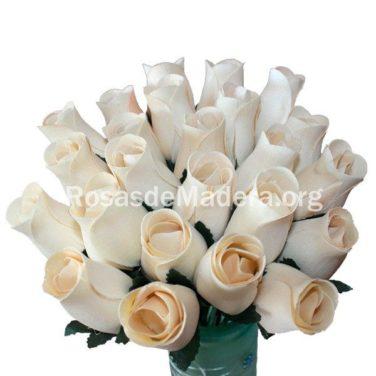Flores blancas de madera
