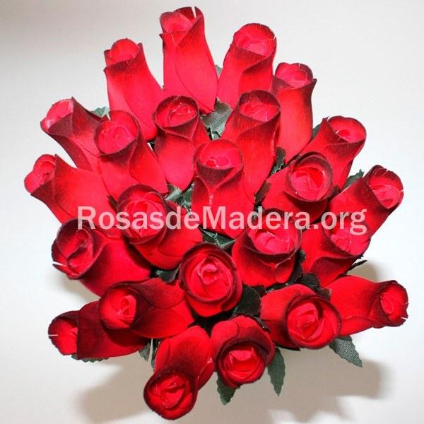 Rosa Roja Degradada Rosas Y Flores De Madera