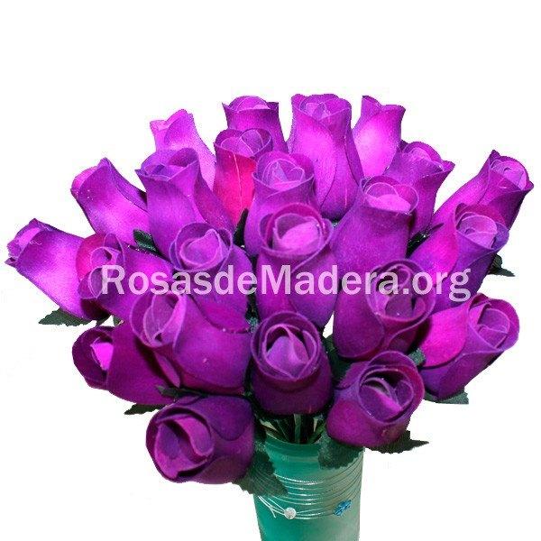 Rosa morada de madera