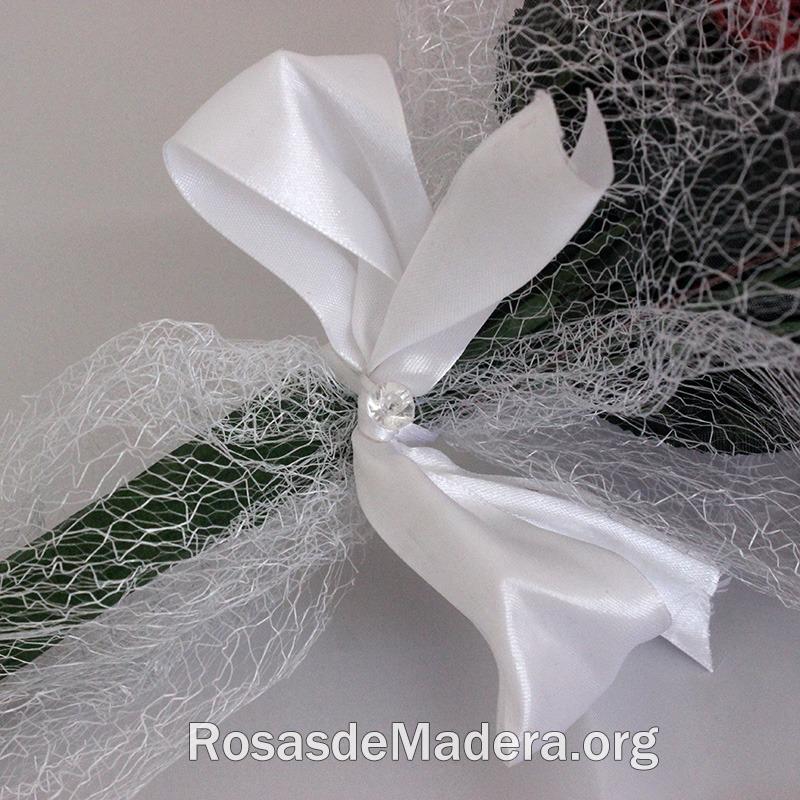Detalle del ramo de rosas