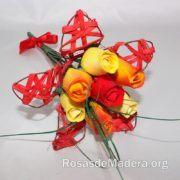 Regalo original ramito de flores de madera