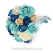 Ramo rosas abiertas azules